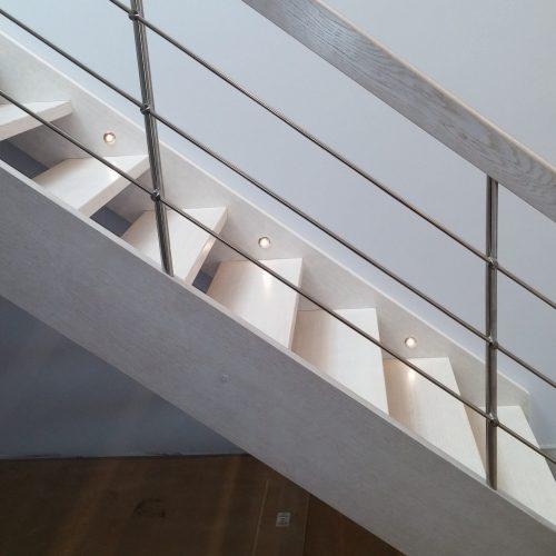 schody policzkowe dąb bielony