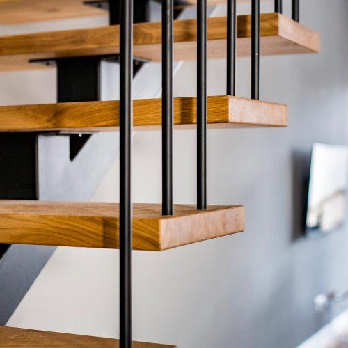 schody nabelce stalowej