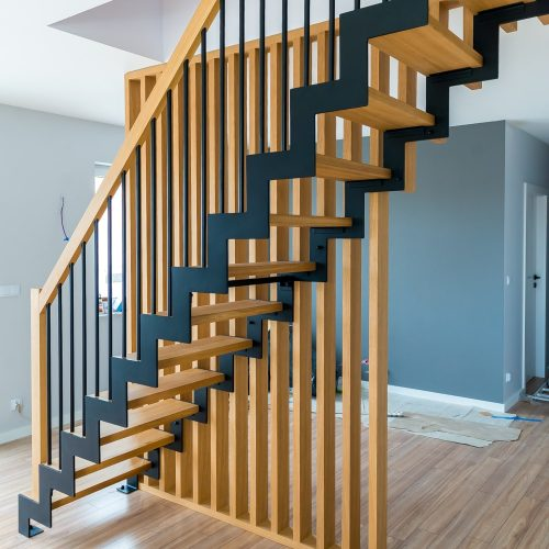 schody zzębatką iażurem